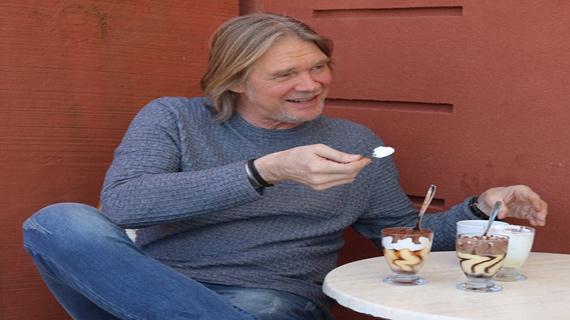 Glenn Strömberg besöker Triumf Glass Café!